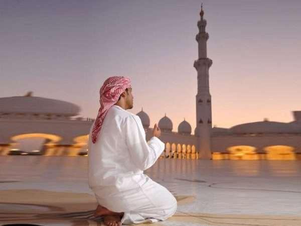 Мусульманин на молитве