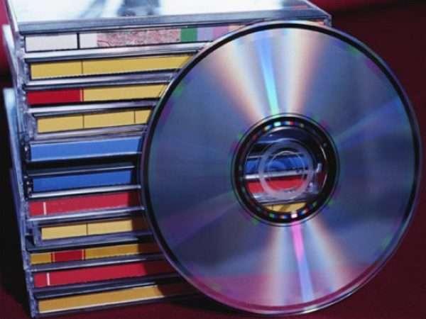 Стопка CD-дисков