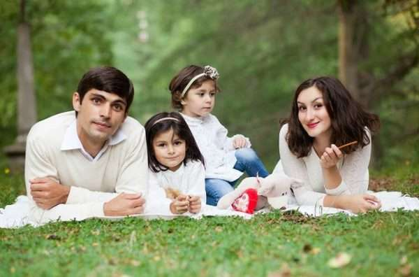 Абхазская семья на природе