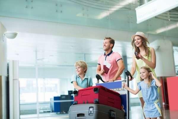 Дети в путешествии с родителями