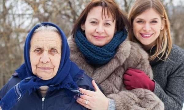Представительницы трёх поколений переселенцев