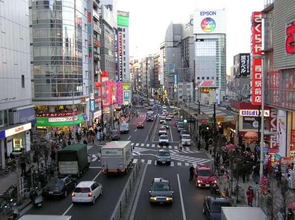 Переполненная японская улица