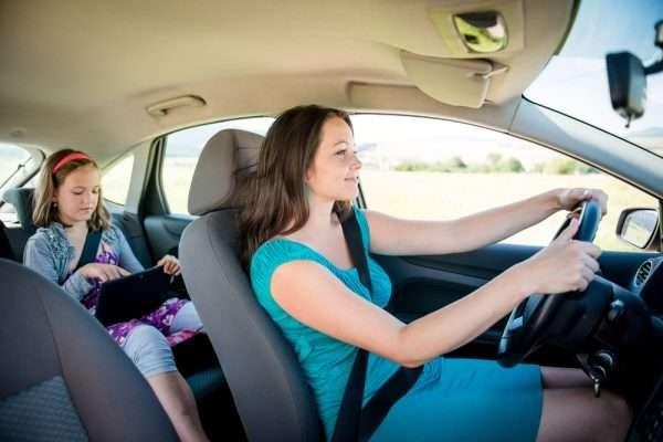Женщина за рулём