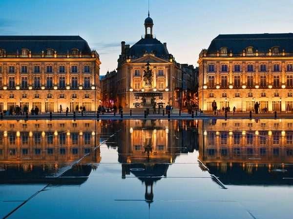 Дворец во Франции